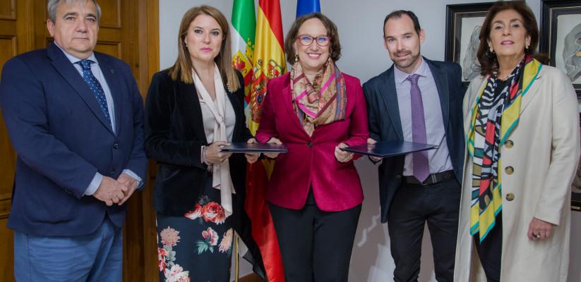 RIU Y SEGIB FIRMAN CONVENIO DE COLABORACIÓN PARA FOMENTAR LA COOPERACIÓN IBEROAMERICANA